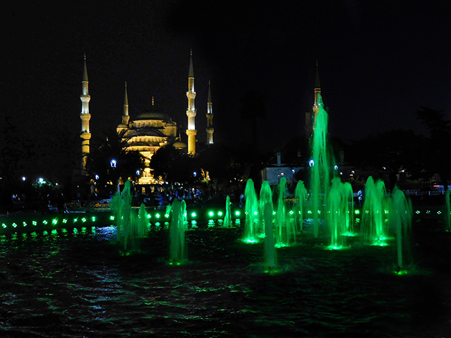 Kstan_SEP2017_Day00_Istanbul_BlueMosqueatnightwithfountain_DSCN3836_650w