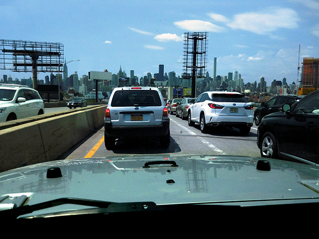 NY_JUN2017_drivingintocityskyline_DSCN1434_650w