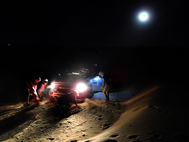 az_sep2016_day08_glamis_nightrecovery_dscn2484_650w